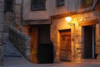 20110318120502-museo-de-arte-abstracto-espa-c3-b1ol-en-cuenca.jpg