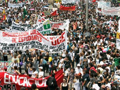 20111111113106-estudiantescolombia.jpg